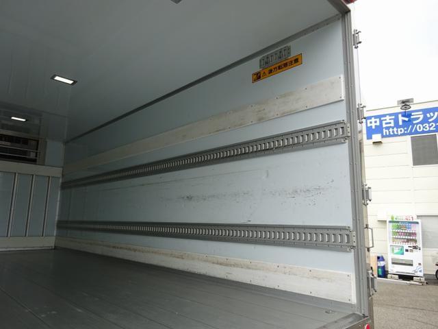 低温冷凍車 -30℃設定 床下格納ゲート 左片開き扉 ワイド ベッド付 2450kg積載(16枚目)