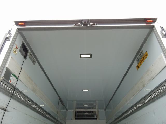 低温冷凍車 -30℃設定 床下格納ゲート 左片開き扉 ワイド ベッド付 2450kg積載(17枚目)