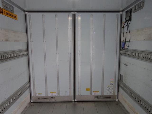 低温冷凍車 -30℃設定 床下格納ゲート 左片開き扉 ワイド ベッド付 2450kg積載(20枚目)