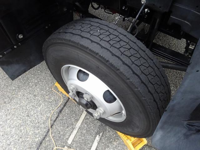 低温冷凍車 -30℃設定 床下格納ゲート 左片開き扉 ワイド ベッド付 2450kg積載(55枚目)