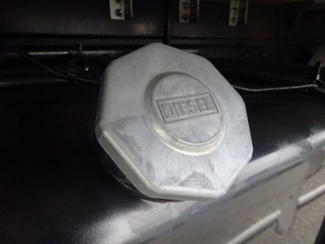 低温冷凍車 -30℃設定 床下格納ゲート 左片開き扉 ワイド ベッド付 2450kg積載(68枚目)