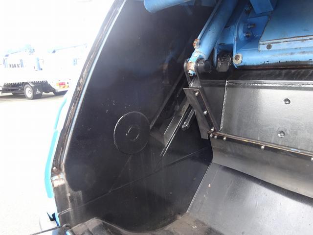 増トン プレス式パッカー 計量器付 10.2m3 新明和 G-PX 連続積込 汚水タンク無し 標準幅 4350kg積載(15枚目)