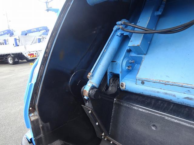 増トン プレス式パッカー 計量器付 10.2m3 新明和 G-PX 連続積込 汚水タンク無し 標準幅 4350kg積載(17枚目)