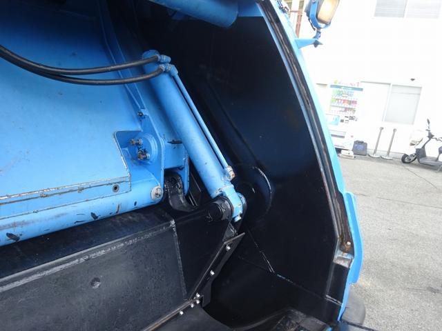 増トン プレス式パッカー 計量器付 10.2m3 新明和 G-PX 連続積込 汚水タンク無し 標準幅 4350kg積載(18枚目)