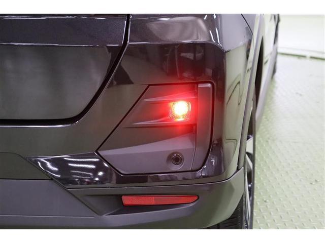 その名の通り、濃霧や雪などで視界が悪い時、後続車に存在をアピールできる【バックフォグランプ】付きです。
