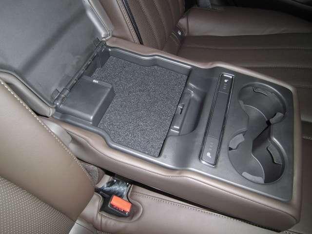 2.2 XD Lパッケージ ディーゼルターボ 試乗車 レザー(18枚目)