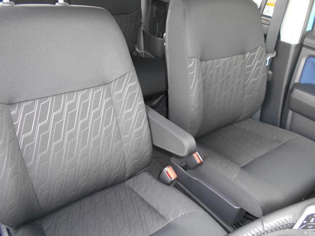 運転席・助手席ともに綺麗です。