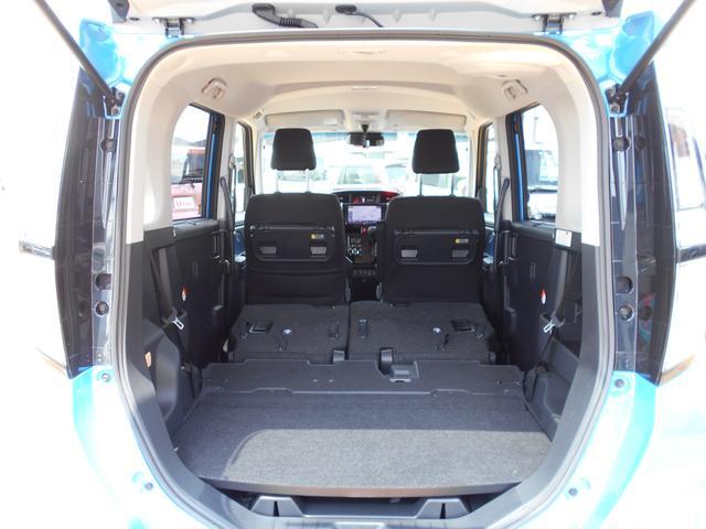 リヤシートを倒せばもっと大きなスペース確保!!