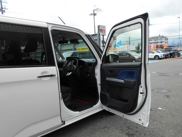 運転席側前ドア★オープン!別角度です。