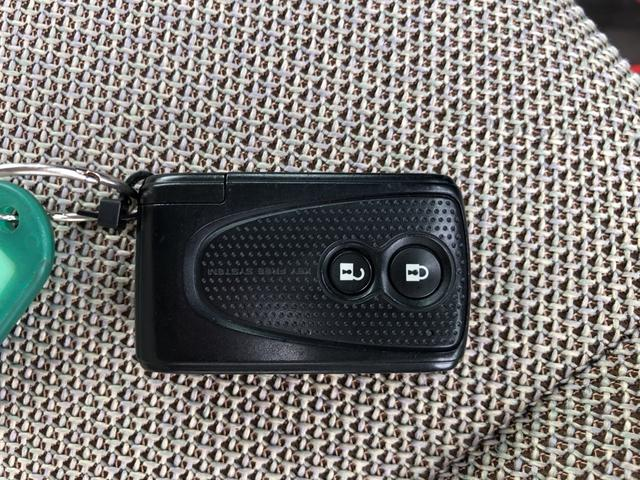 ココアX メモリーナビ バックカメラ ETC キーフリーシステム オートエアコン ベンチシート カーペットマット ホイールキャップ フォグランプ パールホワイト 電動格納式ドアミラー ワンセグチューナー ABS(25枚目)