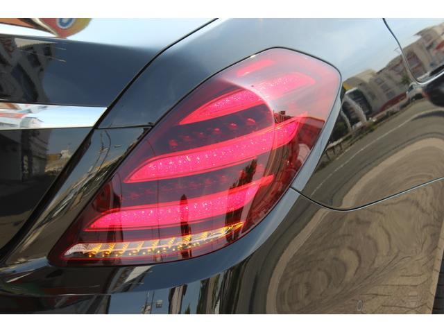 S400dロングEXC AMGライン+パノラマ リアエンタメ(18枚目)