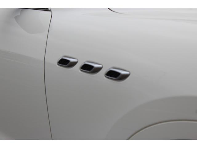 「マセラティ」「レヴァンテ」「SUV・クロカン」「兵庫県」の中古車18