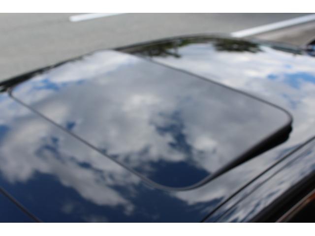 ベースグレード ワンオーナー下取り車 走行3.5万K 車検R5年1月 レッドレザーシート サンルーフ セーフティーシステム(19枚目)