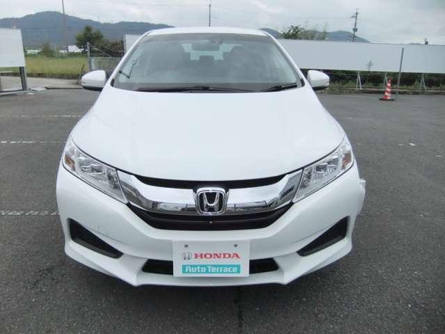 UVカット機能。「フロントドアガラス」から差し込む紫外線(UV)を約99%【Honda調べ】カット★IRカット機能。ジリジリ感を生む赤外線(IR)を抑制するガラスを、「前席の窓3面」に。