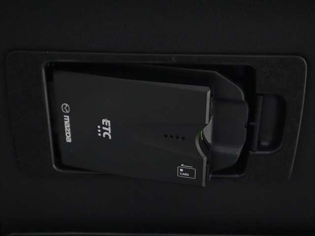 2.2 XD Lパッケージ ディーゼルターボ マツダ認定中古車  サポカー 衝突被害軽減ブレーキ マツダコネクトメモリーナビ 360度カメラ リアシートモニター ホワイトレザーシート 3列6人乗り(9枚目)
