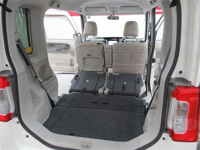 座席も折りたたんで大き目のお荷物も載せることも出来ます!