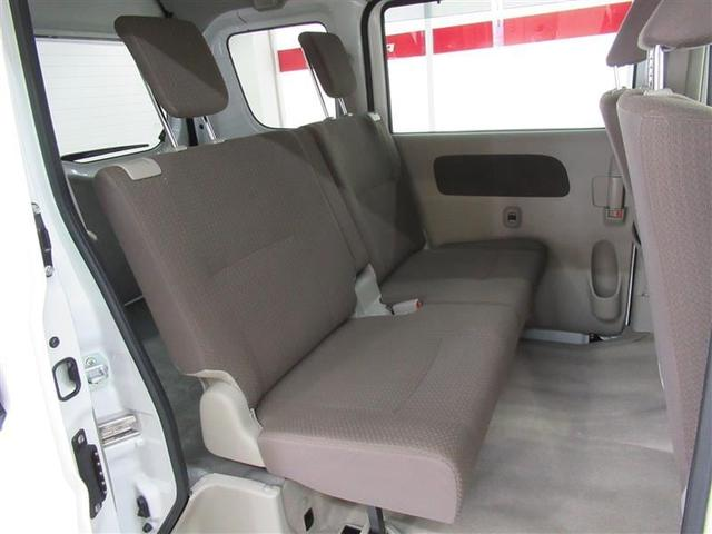 バンですが上級グレードなのでリアの座席にもヘッドレストが付いています!
