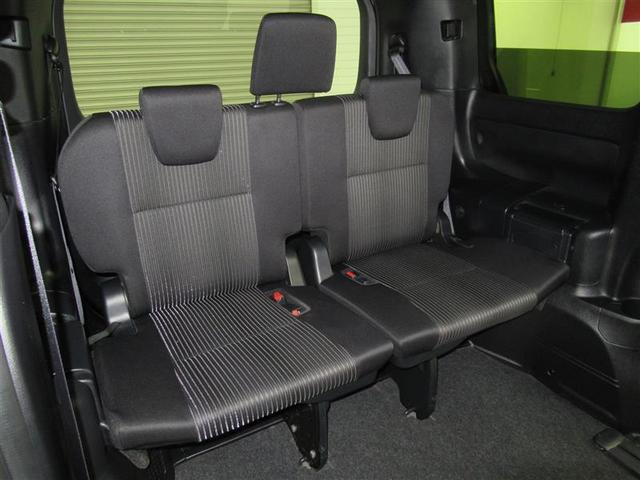サードシート付の8人乗りです。大勢でのお出掛けにも対応可能。ワイワイ楽しくお出掛け下さい