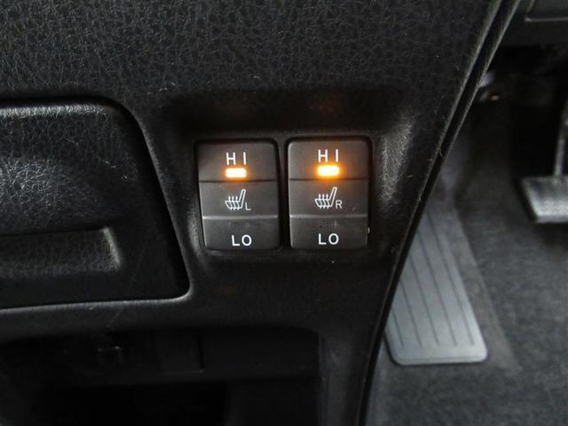 フロントシートには寒い季節には暖かシートヒーターを運転席 助手席に装備!エアコンとは異なる快適感です!