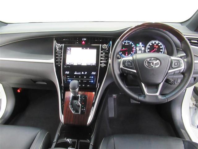 高級感のある「ハリアー」の運転席回りです!セダンより視線が高く長距離運転も楽々です!