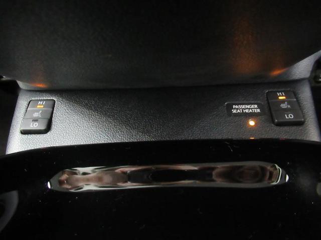 フロントシートには、冬場に暖かいシートヒーターを装備!エアコンとは違う快適感です!