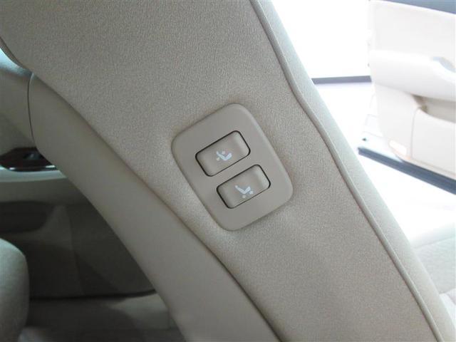 運転席に座りながら助手席のパワーシートを操作出来ます。後部座席にゲストが乗車した際などに便利な機能です
