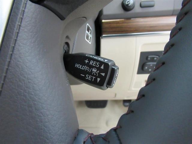 高速道路のドライブが快適に、速度を一定にセットして走れるクルーズコントロール機能付です