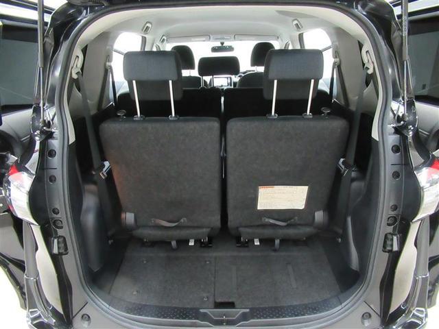 サードシートを使っていても荷室スペースをシッカリ確保!