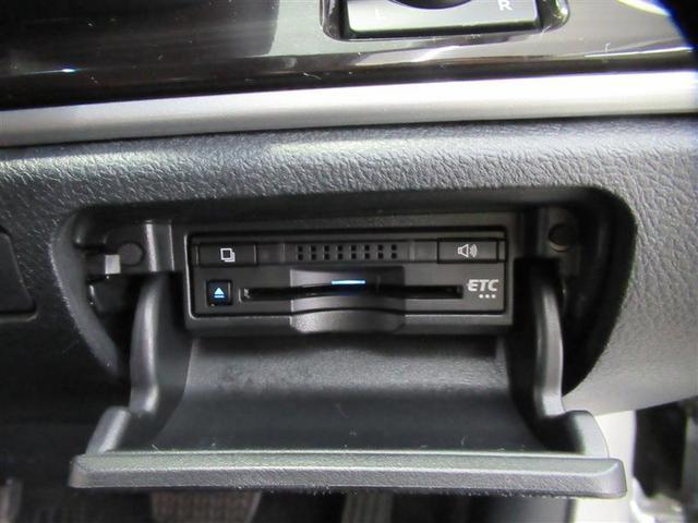 高速道路の必需品、料金所をスムーズに通過するETC車載器はビルトインでスッキリ収納