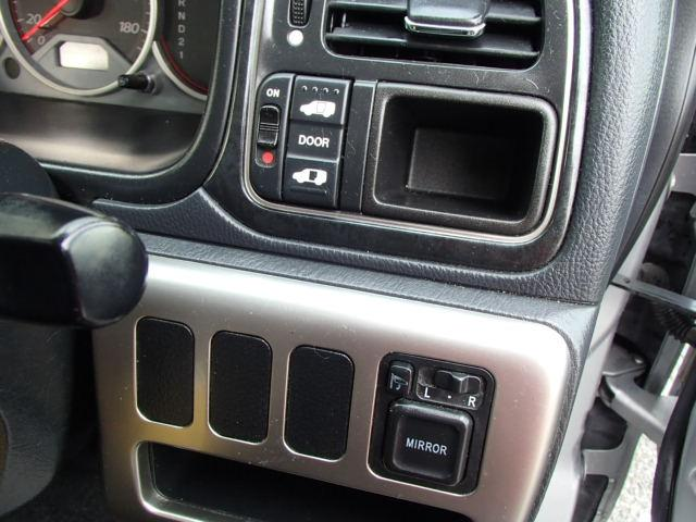 ホンダ ステップワゴン スタイルエディション+ナビ 自動ドア17アルミスマホ接続