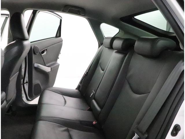 後部座席も乗りやすいです!