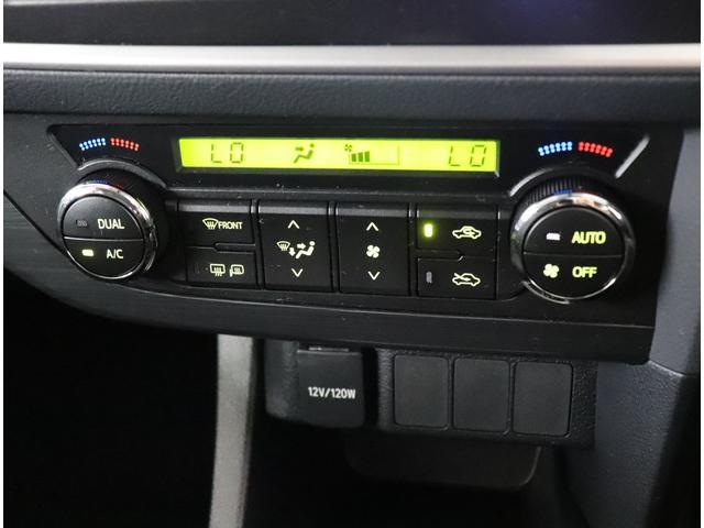 温度を設定し一定に保つオートエアコン機能!直感的に操作できるスイッチレイアウトとなっております☆