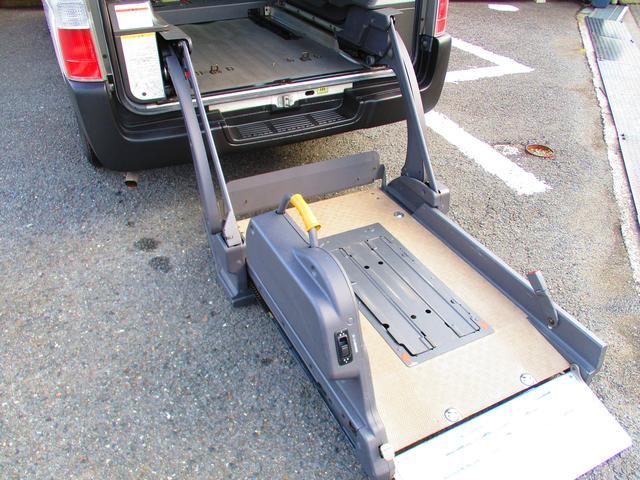 日産 キャラバンバス チェアキャブ 電動リフト 車いす2基 10人乗り 福祉車両