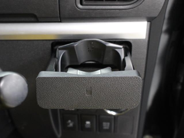 カスタムX SA LEDヘッド 1オーナ AW アイドリングストップ キーフリー 盗難防止システム ABS オートエアコン スマ-トキ- 左側電動スライド 衝突軽減ブレーキ付き パワーウインドウ ベンチシート(15枚目)