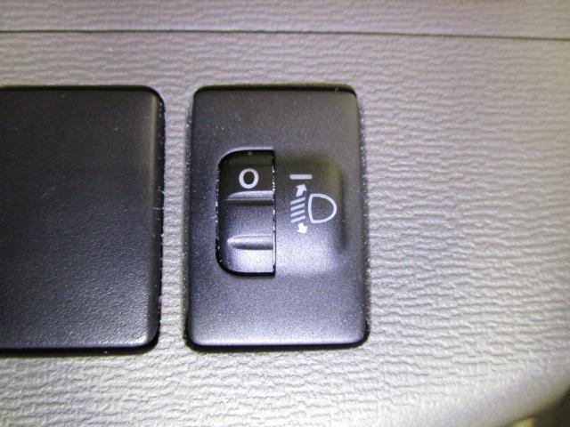 L HDDナビ DVD再生 バックカメラ ETC 電動スライドドア ウオークスルー 乗車定員7人 3列シート(16枚目)