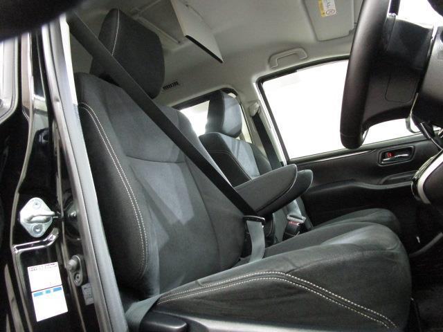 Xi 4WD フルセグ メモリーナビ DVD再生 後席モニター バックカメラ ETC 電動スライドドア LEDヘッドランプ ウオークスルー 乗車定員8人 3列シート ワンオーナー アイドリングストップ(6枚目)