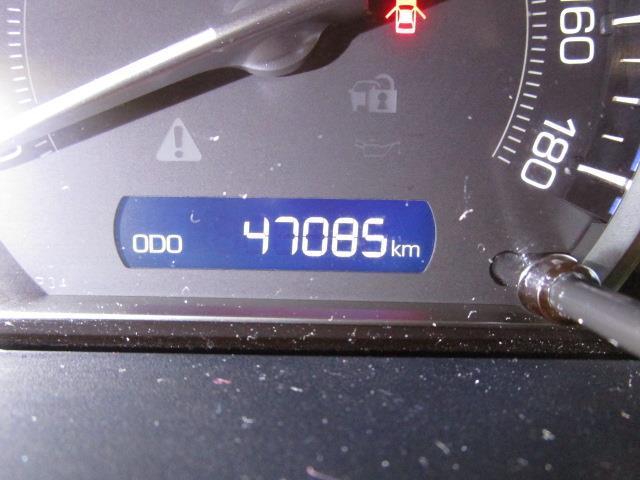 Xi 4WD フルセグ メモリーナビ DVD再生 後席モニター バックカメラ ETC 電動スライドドア LEDヘッドランプ ウオークスルー 乗車定員8人 3列シート ワンオーナー アイドリングストップ(10枚目)