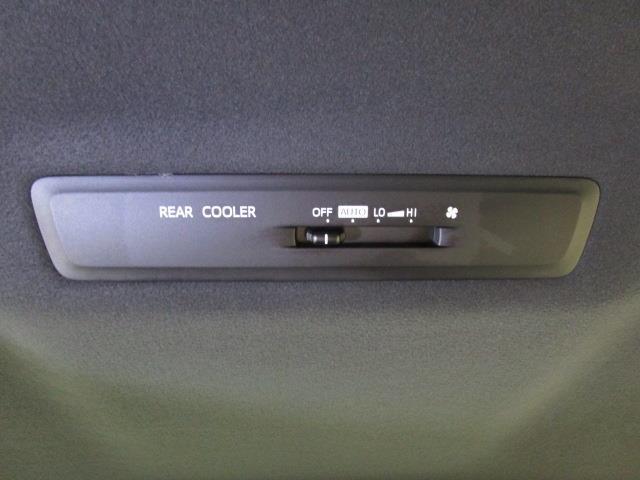 Xi フルセグ メモリーナビ DVD再生 バックカメラ 衝突被害軽減システム 電動スライドドア LEDヘッドランプ ウオークスルー 乗車定員8人 3列シート ワンオーナー フルエアロ アイドリングストップ(23枚目)