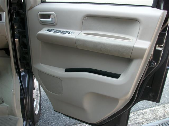 しっかり車両状態を確認しているから出来る、全台3ヶ月3000Km保証!!自社整備工場にて車の購入後も安心のアフターケア!(Freecall 0066-9706-511902)
