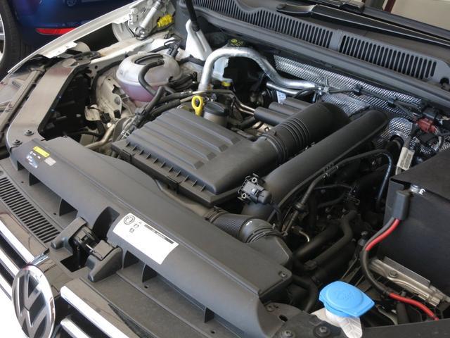 TSI コンフォートライン 1オーナー 禁煙車 新車時OPアップグレードPKG LEDヘッドライト プリクラッシュブレーキシステム オートホールド付きエレクトロニックパーキングブレーキ クルーズコントロール リアビューカメラ(9枚目)