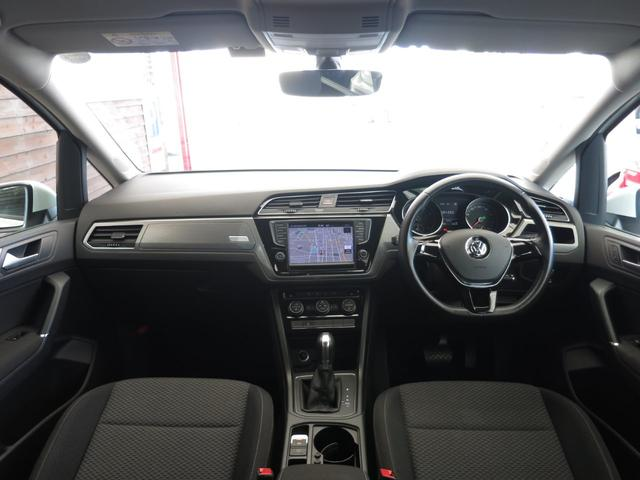 TSI コンフォートライン 1オーナー 禁煙車 新車時OPアップグレードPKG LEDヘッドライト プリクラッシュブレーキシステム オートホールド付きエレクトロニックパーキングブレーキ クルーズコントロール リアビューカメラ(10枚目)
