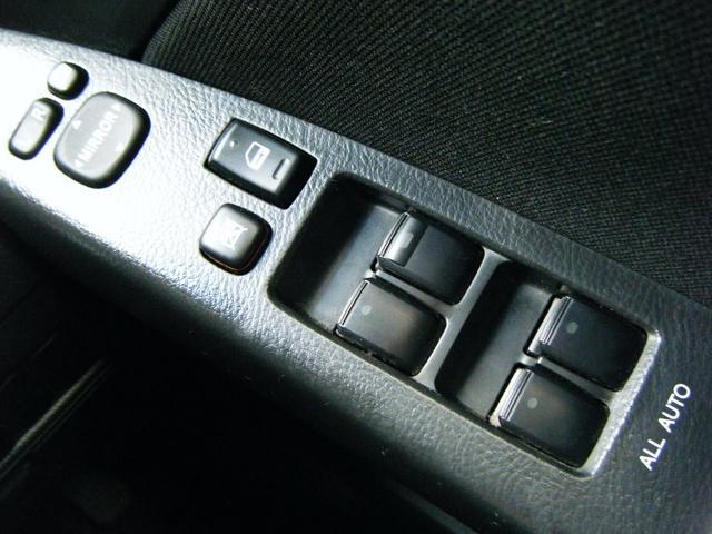 プラタナ Vセレクションホワイトインテリアパッケージ 純正HDDナビTV バックカメラ レザーシート 両側自動ドア 後席モニター 純正エアロ 純正アルミ オートライト キセノン スマートキー タイミングチェーン 7人乗 ETC 後期型(37枚目)