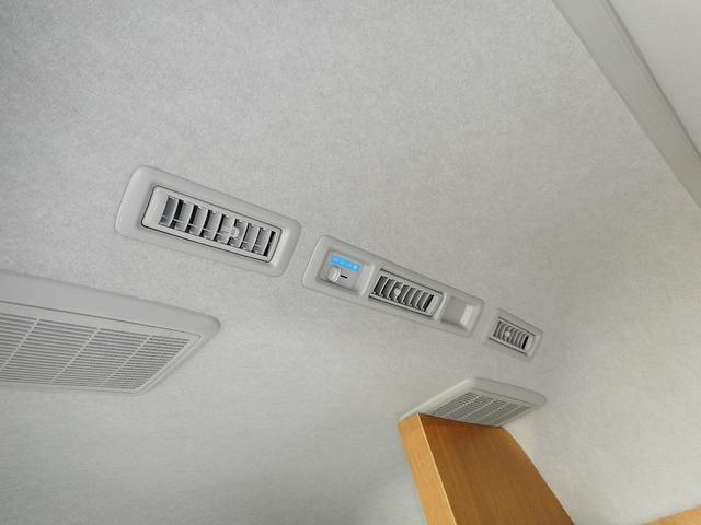 Wエアコン装備
