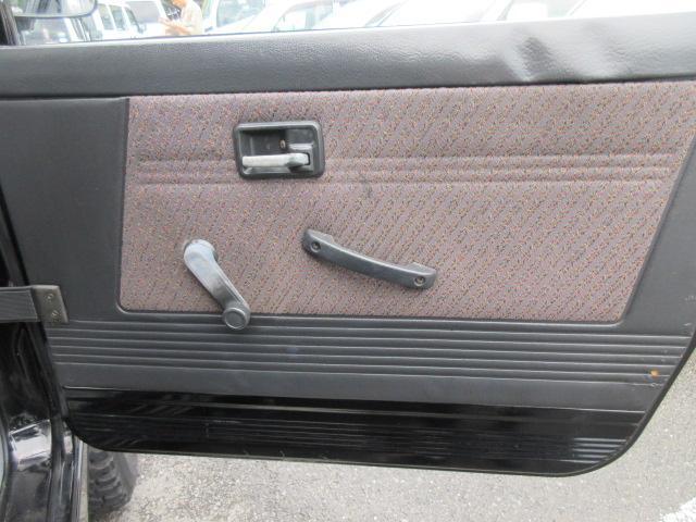 4WD リフトアップ(社外シャックル) 社外ショック 社外マフラー 社外前後バンパー ステンレスタンクガード momoハンドル(13枚目)