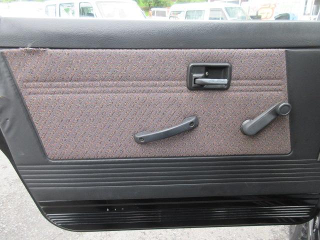 4WD リフトアップ(社外シャックル) 社外ショック 社外マフラー 社外前後バンパー ステンレスタンクガード momoハンドル(25枚目)