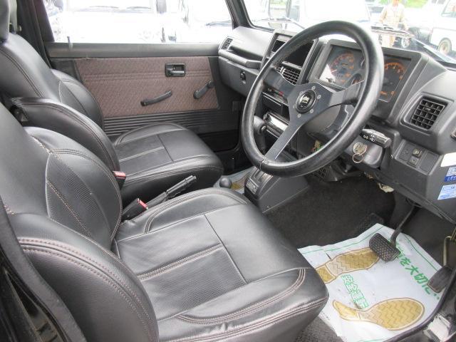 4WD リフトアップ(社外シャックル) 社外ショック 社外マフラー 社外前後バンパー ステンレスタンクガード momoハンドル(28枚目)