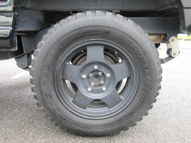 4WD リフトアップ(社外シャックル) 社外ショック 社外マフラー 社外前後バンパー ステンレスタンクガード momoハンドル(43枚目)
