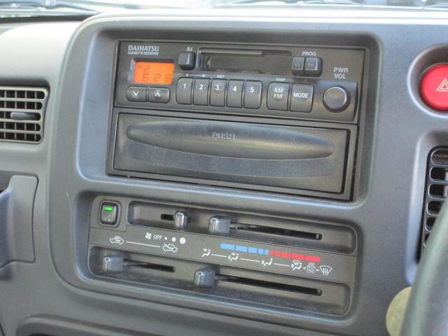 純正の あ…カセットデッキ  ラジオOKです