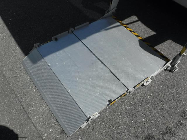 GX 5人 低床 Mナビ Bカメラ ETC リフト300kg(11枚目)