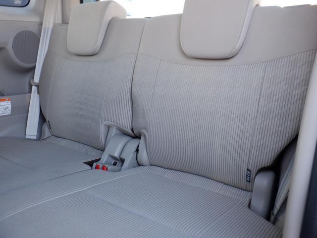 助手席のポジションを一番前にスライドさせて、リヤシートをダイブインすればより広いラゲッジスペースになります☆